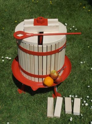 32 litre fruit press